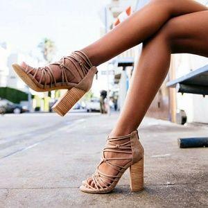Elegant high heel sandles